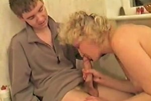 Flabby Mature Hoe From Moscow Was Happy To Get Fucked
