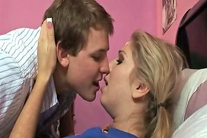 Mom Walks In On Daughter And Boyfriend Porn 9d Xhamster