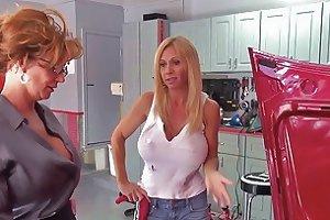 Mature Visits A Mechanic Free Lesbian Hd Porn 3d Xhamster