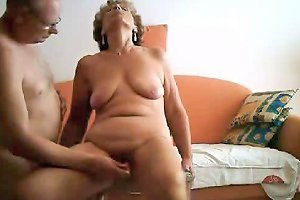 Oma Und Opa In Aktion 2 Free Masturbating Porn Video 79